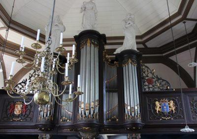 Garnwerd, Kerk