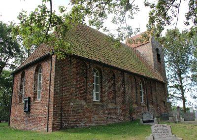 Garnwerd, Kerk Oostum